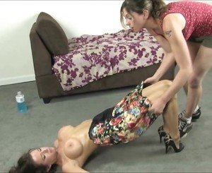 Veronica Avluv's First Time Licking Female Feet