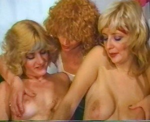 Old school Lesbo Love Fest