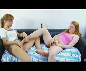Two Amazing Teen's Masturbate Together