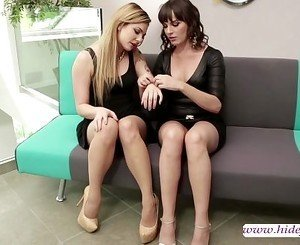Lesbians fingerfucking dripping pussy