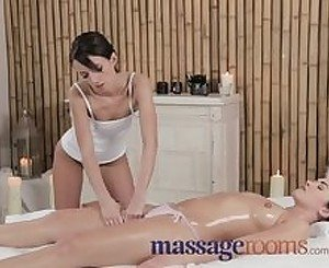 Massage Rooms Firm young girl shares plump butt and vibrator with masseuse