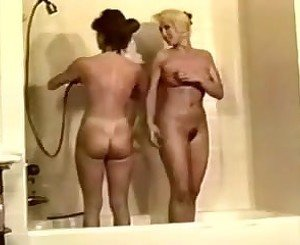 TWO LESBIAN HAVE SHOWER